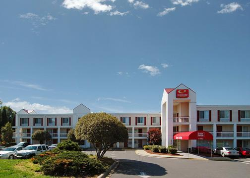 ECONOLODGE INN & SUITES CHARLOTTE AIRPORT (CLT)